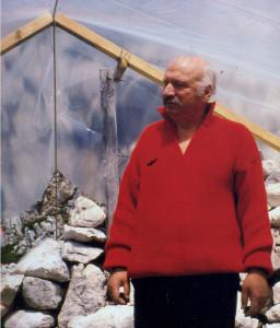 Eugenio (Enio) Turus (12.6.1932 – 3.8.2014) nei pressi del campo sul Foran del Muss (Monte Canin).